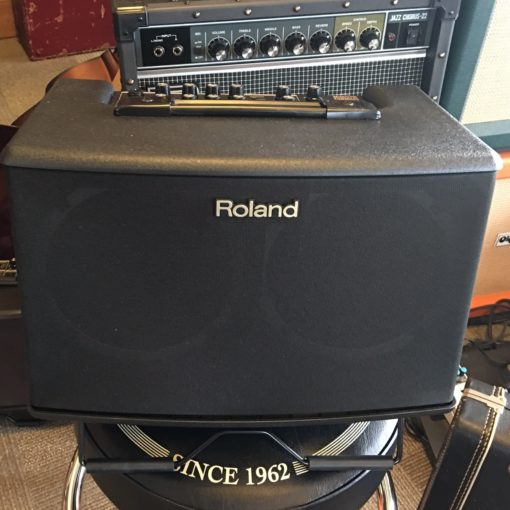 roland ac 40 acoustic guitar and vocal amplifier cornerstone music. Black Bedroom Furniture Sets. Home Design Ideas
