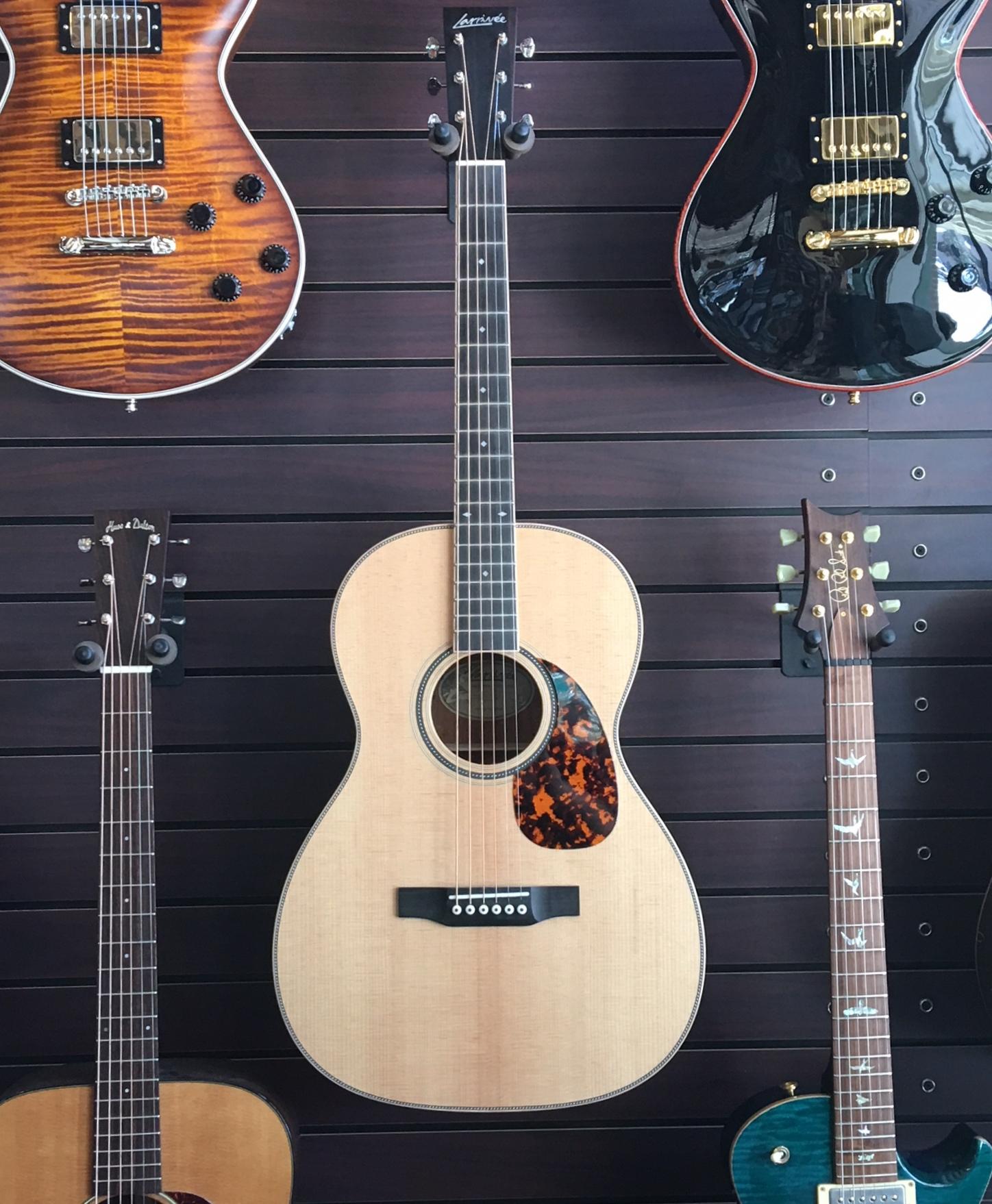 sold larrivee 000 40 acoustic electric guitar cornerstone music. Black Bedroom Furniture Sets. Home Design Ideas